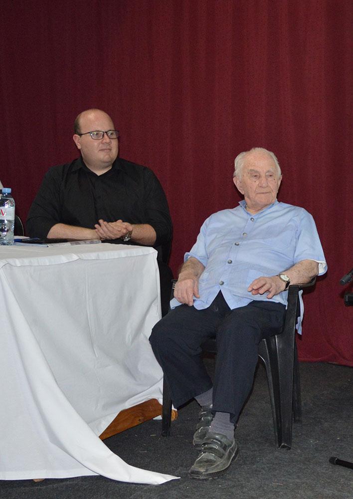 El profesor Alejandro González Pavón y el Presbítero Juan Esteban Rougier