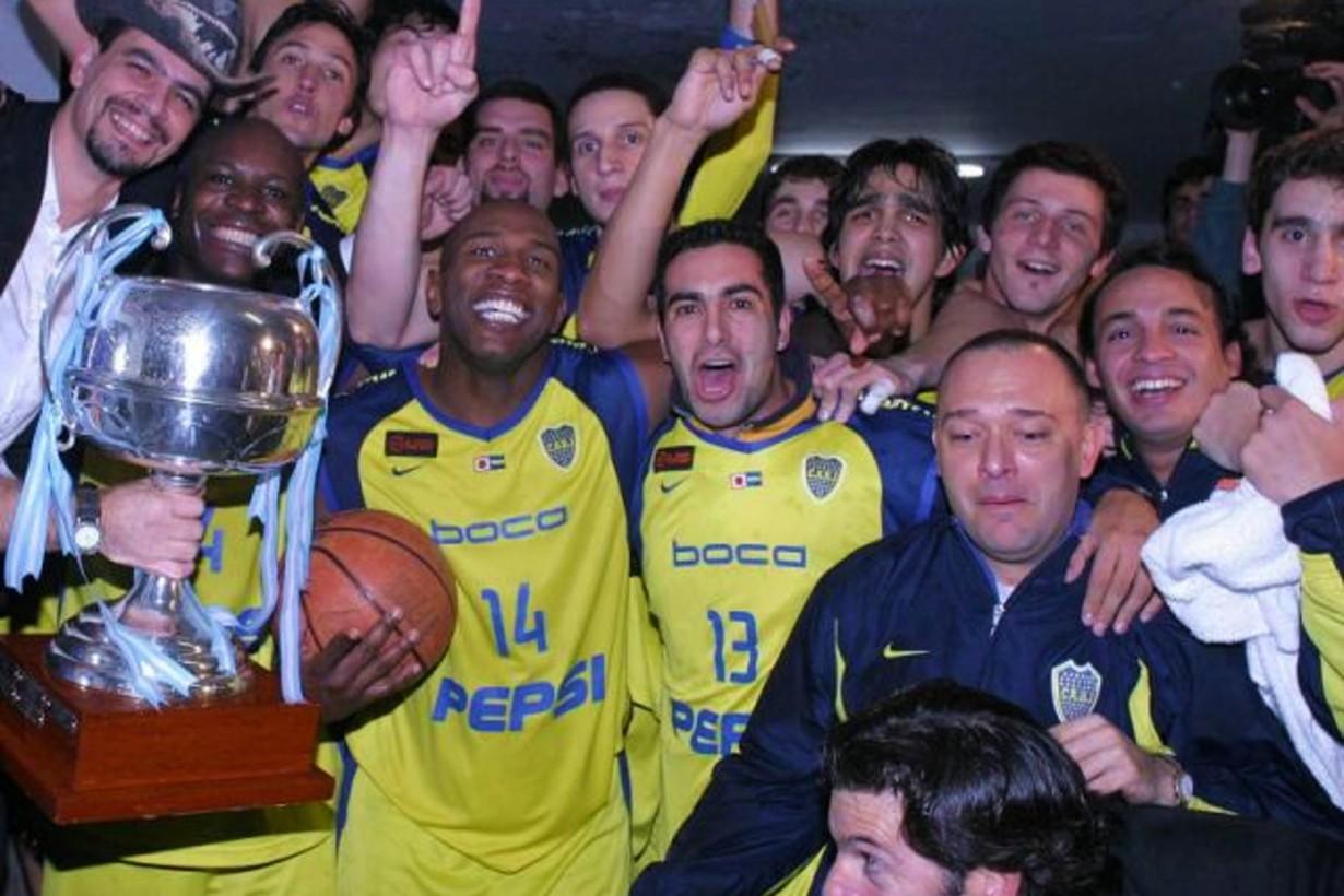 El 6 de junio de 2004, Malara y el colonense Quinteros fueron campeones de Liga Nacional.