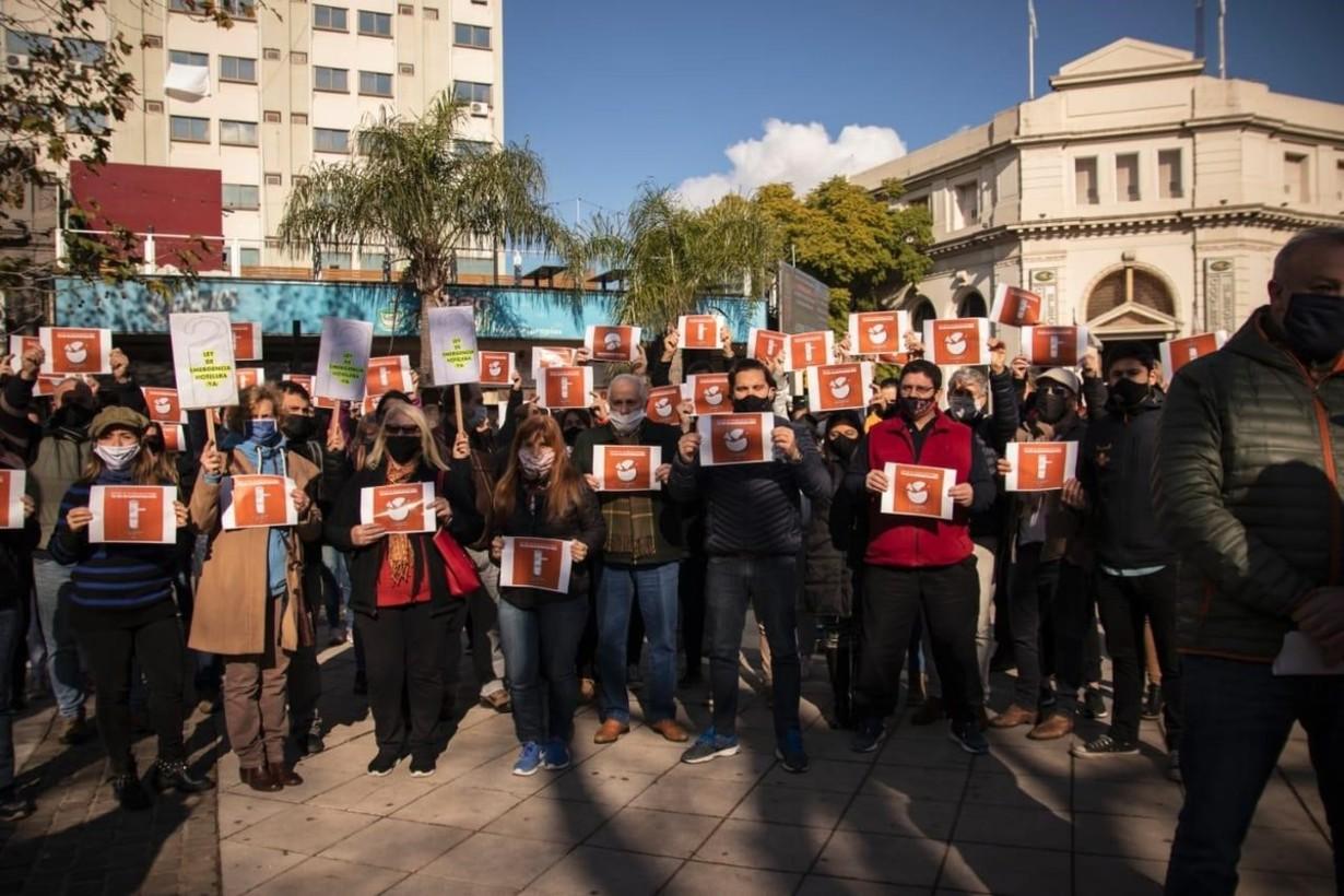 En Concordia, la protesta se concentró frente al bar Ideal