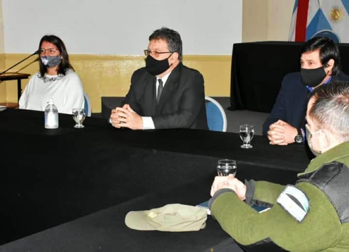 La fiscal Minatta estuvo en la reunión del COES de Concordia.