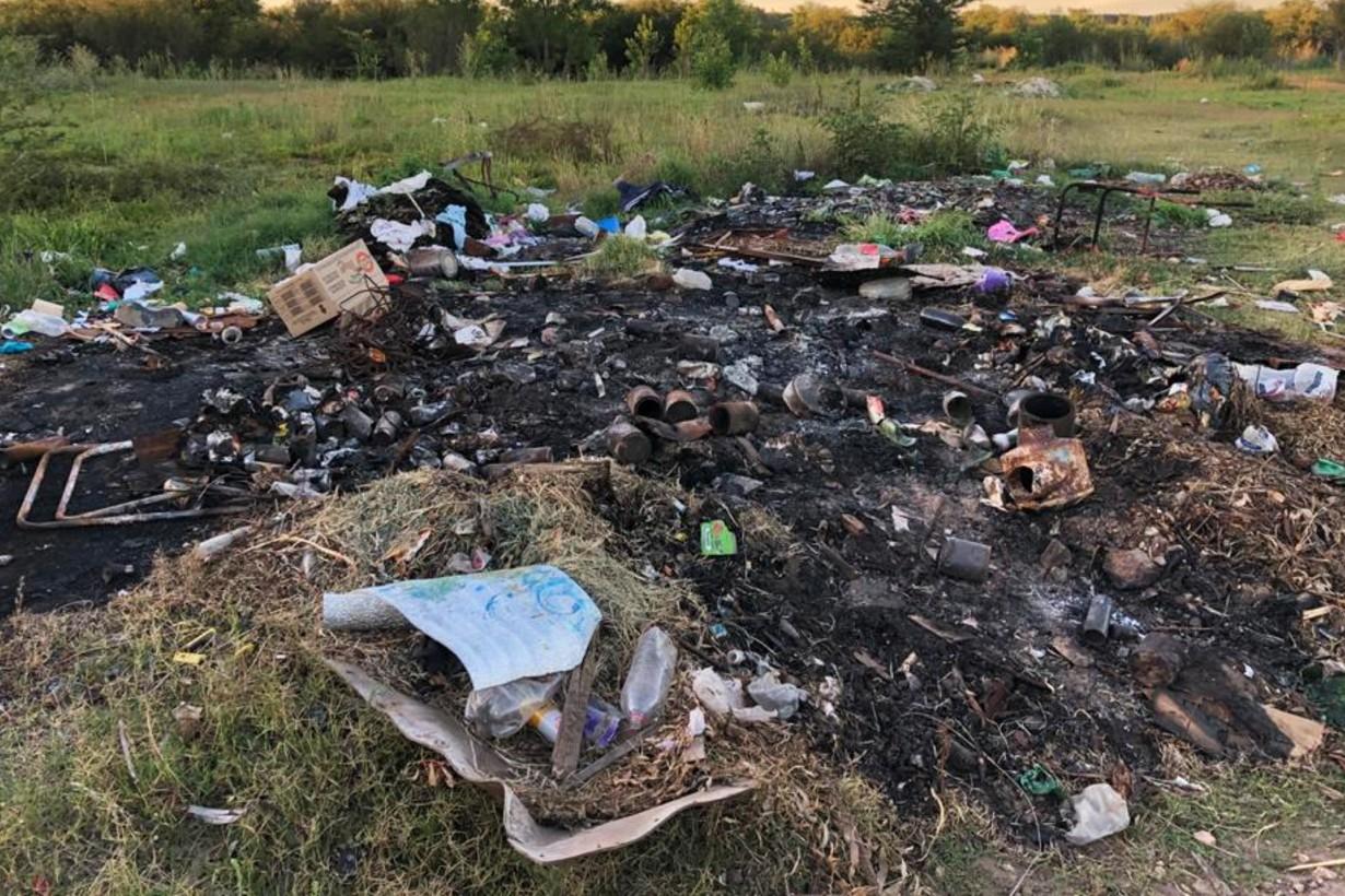 Todo tipo de residuos domiciliarios van a parar a los microbasurales.