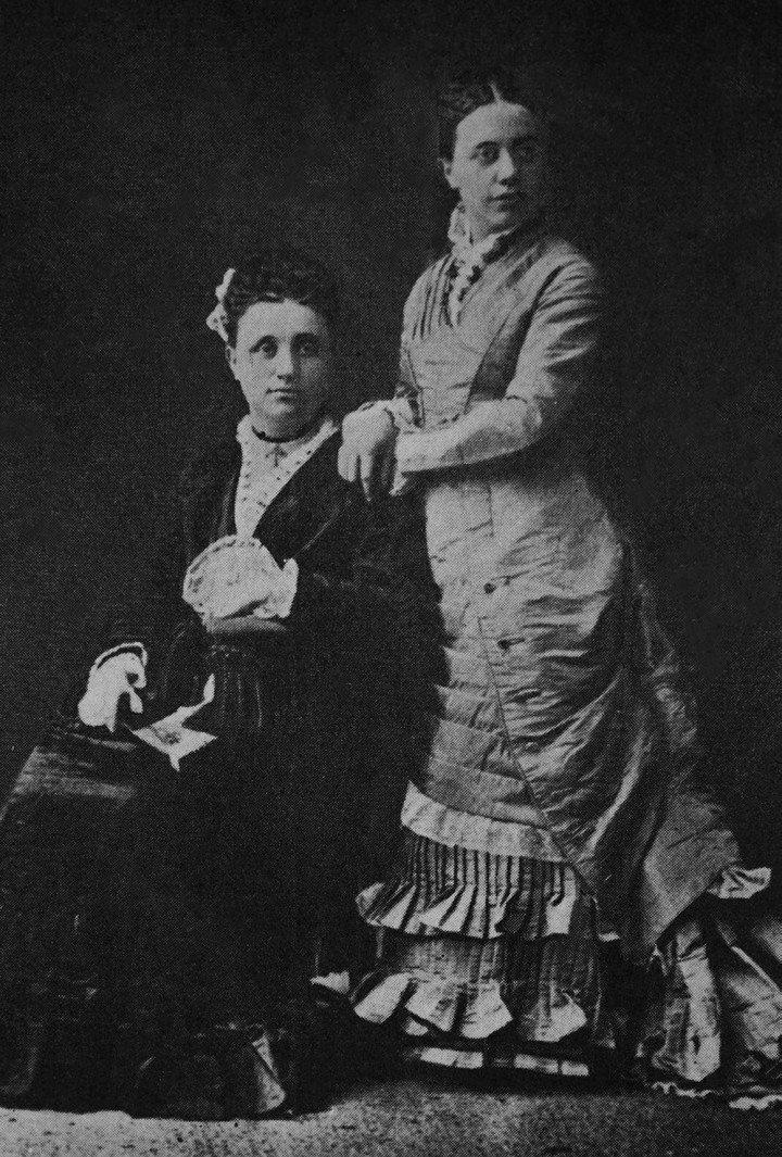 Clara Armstrong y Frances