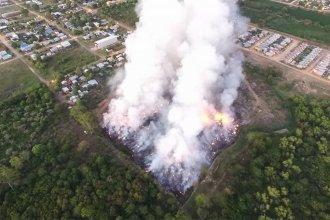 Impactante incendio en el basural de Colón