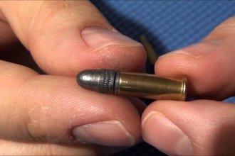 La bala que pasó entre el cuero cabelludo y el cráneo