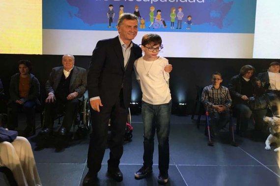 Con 13 años de edad, Santino logró instalar la donación de alimentos en la agenda pública