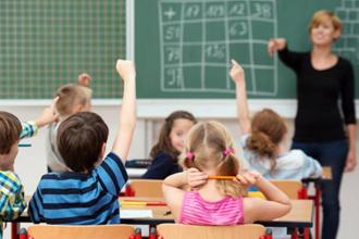 """Un relevamiento del CGE indica que """"la mitad de los docentes"""" dio clases"""
