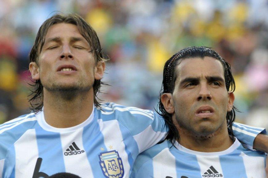 Otro tiempo: Heinze y Tevez, en el mundial de 2010