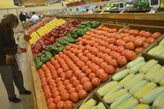"""""""Frutas y verduras llegan a los mercados totalmente contaminadas"""""""
