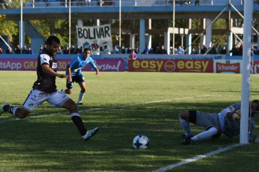 El momento preciso del gol de Curuchet.
