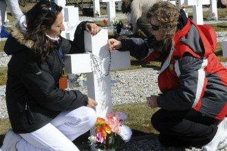 Elsa abrazará la cruz que recuerda a su hermano, héroe entrerriano en Malvinas