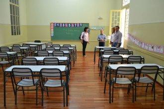Funcionarios recorrieron obras en escuelas puestas en valor