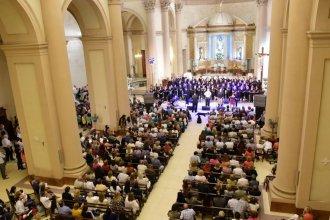 """La """"Misa Criolla"""" se interpretó en la Basílica Inmaculada para el cierre de Semana Santa"""