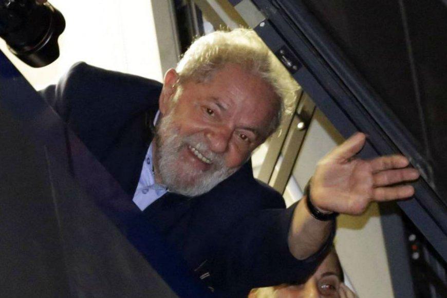 Lula pasó la noche en un sindicato.