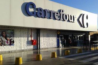 """Carrefour inició el """"procedimiento preventivo de crisis"""" y podría despedir trabajadores"""
