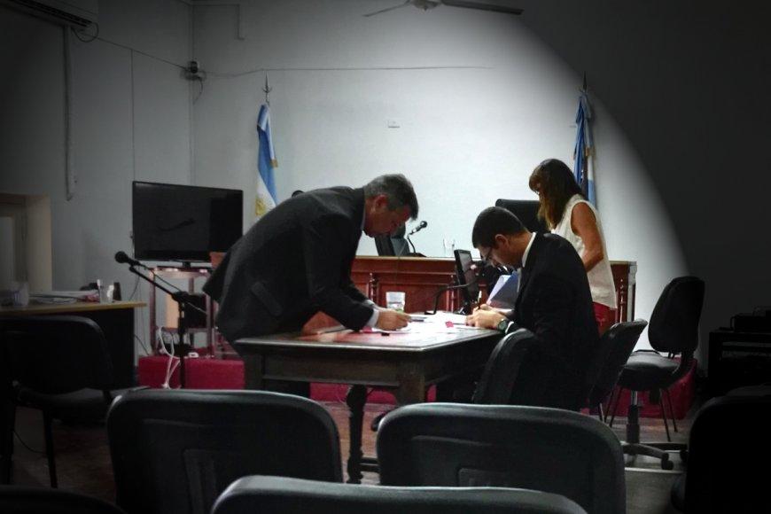 Arias y Bukténica, antes de empezar la audiencia