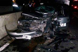 Dos mujeres luchan por su vida, tras chocar en el puente Rosario - Victoria