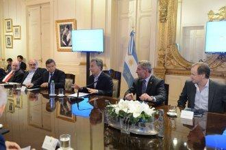 Convocaron a los gobernadores peronistas a una cumbre con Macri
