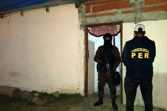 Detienen a mujeres que trafican: Una tiene 63 años y la otra 33