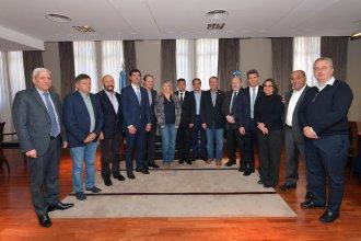 En la Casa de Entre Ríos, gobernadores del PJ definen su postura ante Macri