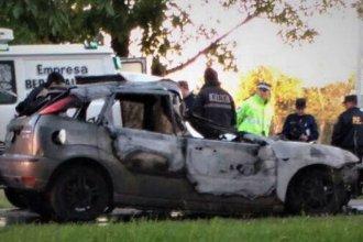 Trágico: murió tras chocar contra un camión e incendiarse su auto