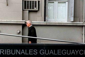 """En las escalinatas de Tribunales, Rivas cargó contra la prensa y afirmó que no hay nadie a quien """"pedirle perdón"""""""