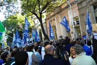 """""""Cada vez que el FMI pisó Argentina, la educación se vio perjudicada"""""""