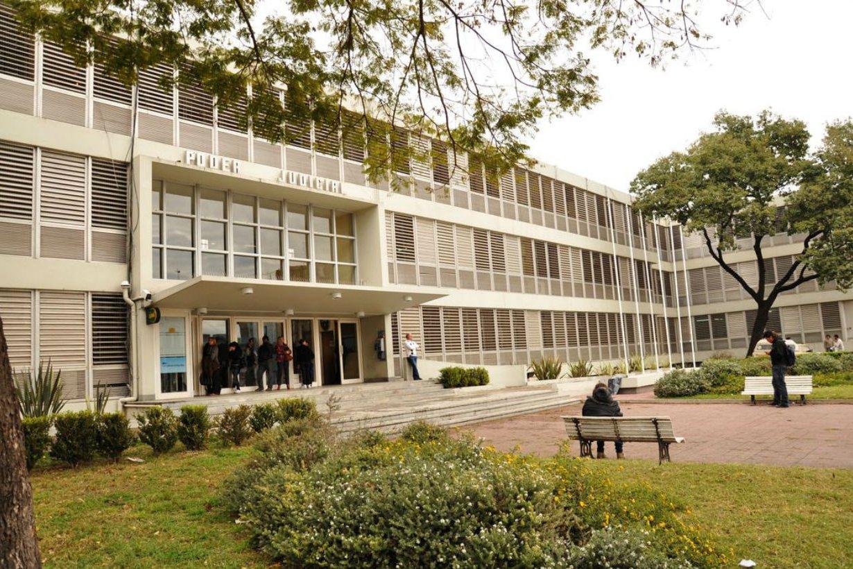 Debían reparar el 2º piso de tribunales de Paraná.
