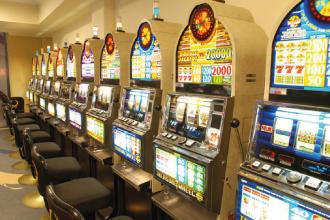 Buscan prohibir el ingreso a salas de juegos a beneficiarios de planes sociales