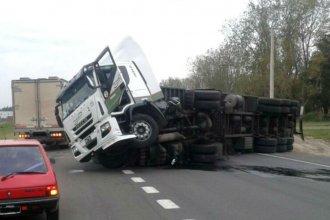 Accidente en la ruta 14: el conductor del camión con leche había sido hospitalizado