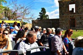 En el día del guía de Turismo, una conferencia sobre la hospitalidad