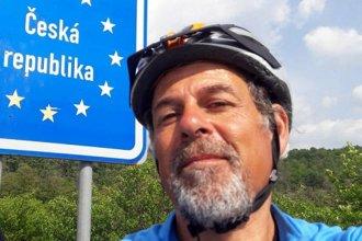 Es de Gualeguaychú y va al Mundial de Rusia en bicicleta