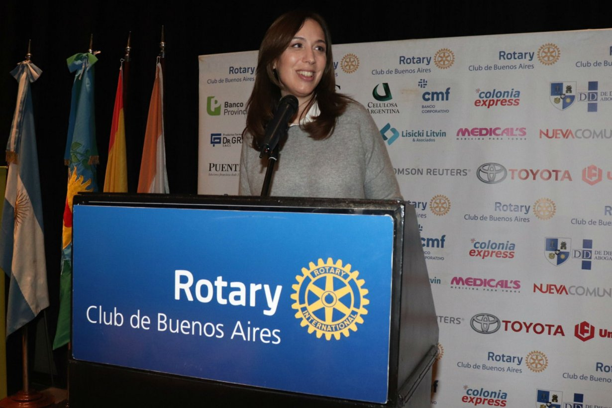 La gobernadora de Buenos Aires, en Rotary Club.