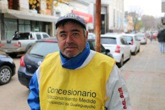 Fue combatiente de Malvinas y hoy cobra estacionamiento en la calle