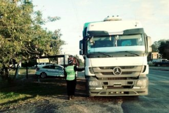 Circulaban por ruta entrerriana con miles de pesos y dólares falsos