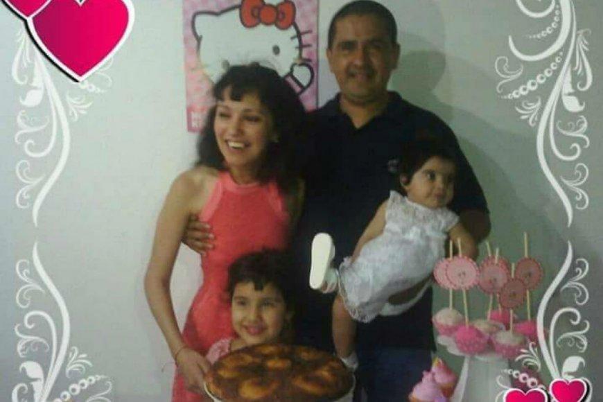 Cynthia y su familia.