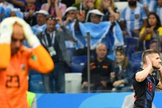 Croacia goleó a Argentina y la dejó al borde de la eliminación