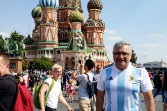 Empezó como una joda y hoy está en Rusia, alentando a la selección