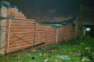 Cayó la pared de una capilla y hay cuatro personas heridas