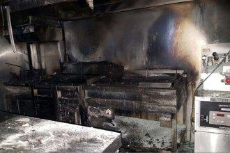 Detectaron la causa del incendio en el local de comidas rápidas del Shopping