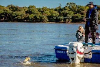 Pescar en el río Uruguay, la mejor terapia para un ídolo de River