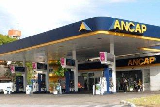 Bajan los impuestos a las naftas en la frontera para que los uruguayos no llenen el tanque en Argentina