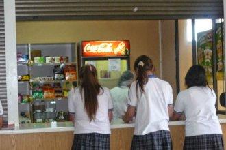 ¿Es saludable lo que los chicos comen en el kiosco de la escuela?