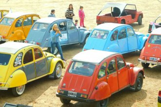 Los clásicos Citroen hicieron rugir sus motores por la costa del Uruguay