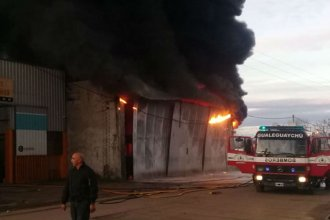 Depósito de colectivos ardió en llamas en Gualeguaychú