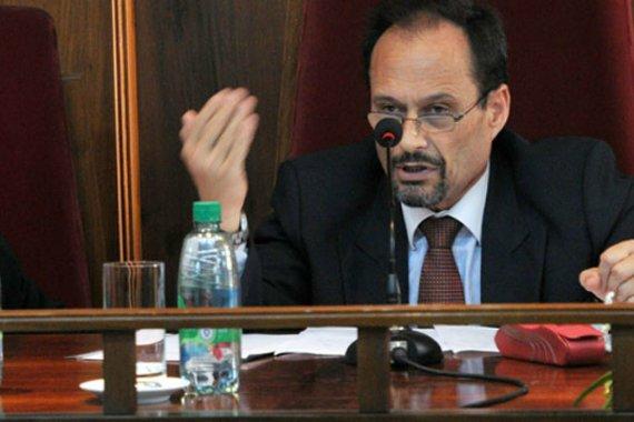 ¿Qué dijo el procurador García sobre el escándalo por los contratos en la Legislatura?