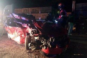 Dramático rescate de un hombre que quedó atrapado entre los hierros retorcidos de su auto
