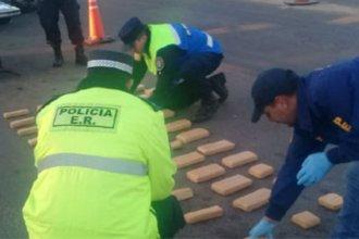 Incautan dos cargamentos de droga que ingresaban a la provincia