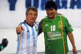 Sergio Urribarri se aúpa  a Evo Morales