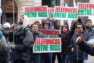 Empleados de telecomunicaciones, en alerta por la fusión de Telecom y Cablevisión