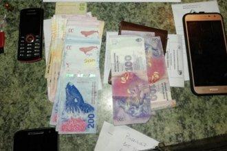 Secuestraron droga, dinero y celulares en allanamientos a cuatro viviendas